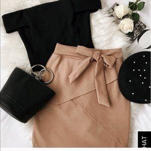 Lulus camel skirt